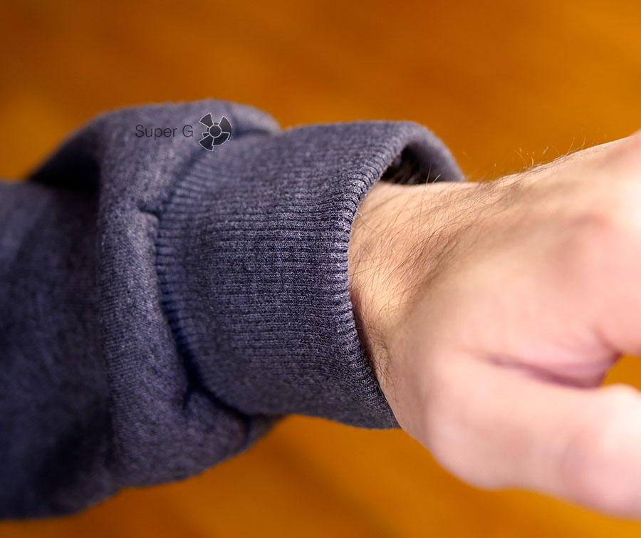 Манжета толстовки при надетых на запястье Garmin Vivoactive HR начинает давить