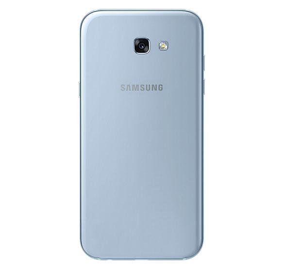 Samsung Galaxy A7 2017 голубой (сзади)