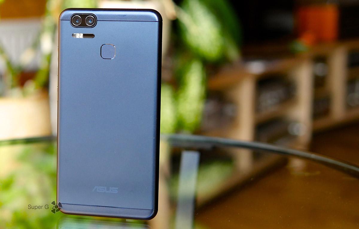 Темно-синий Asus ZenFone 3 Zoom
