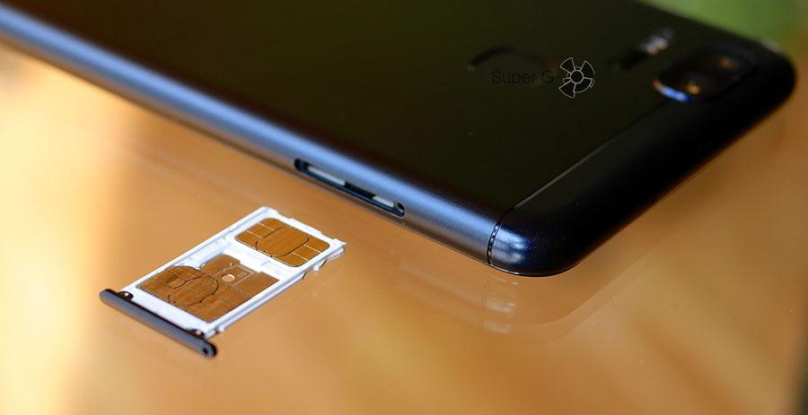 Слот для двух Nano SIM-карт в смартфоне Asus ZenFone 3 Zoom