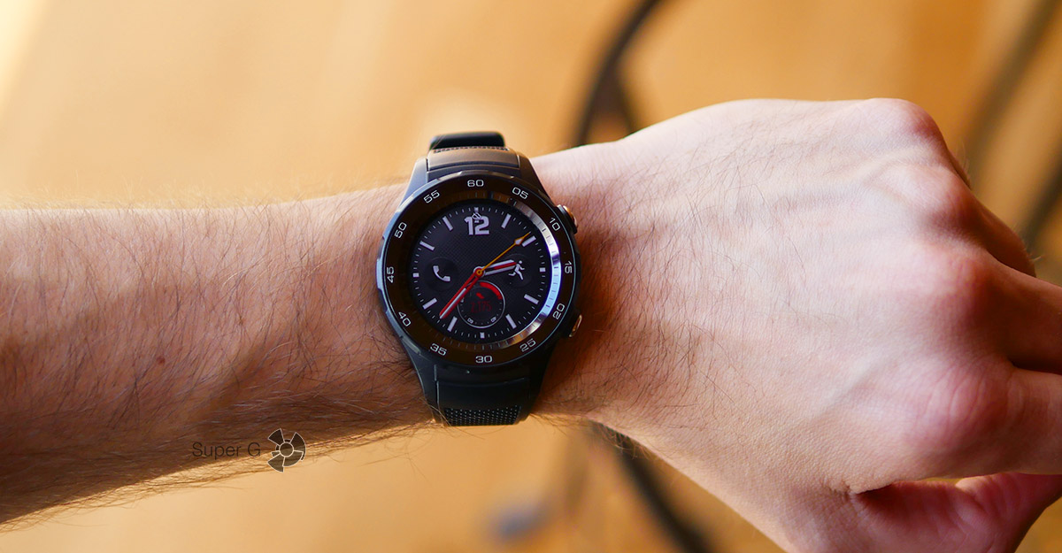 Huawei Watch 2 на руке