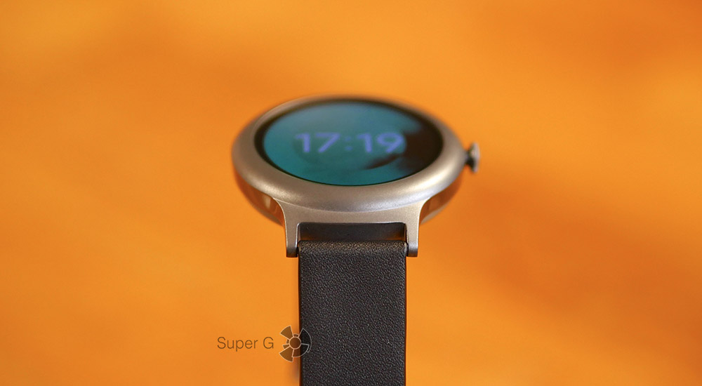 Ремешок для LG Watch Styler крепится очень надежно