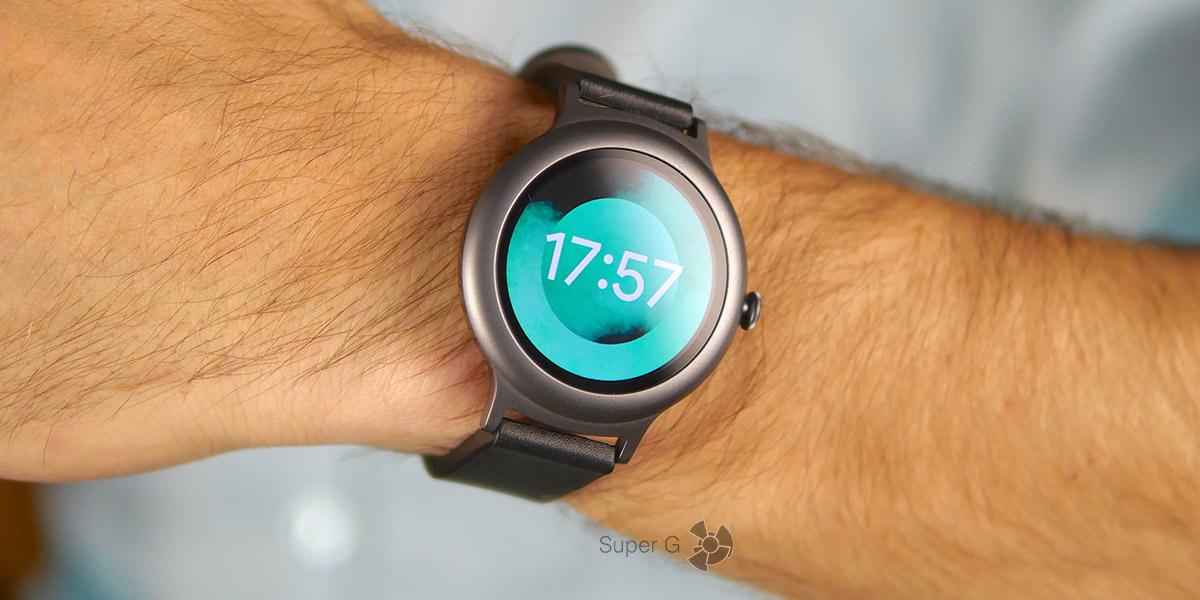 Дисплей LG Watch Style прикрыт защитным стеклом Gorilla Glass 3