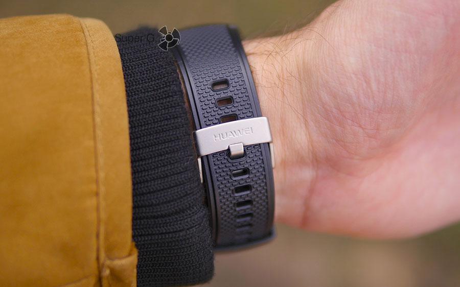 Удобная застёжка ремешка от Huawei Watch 2 Sport