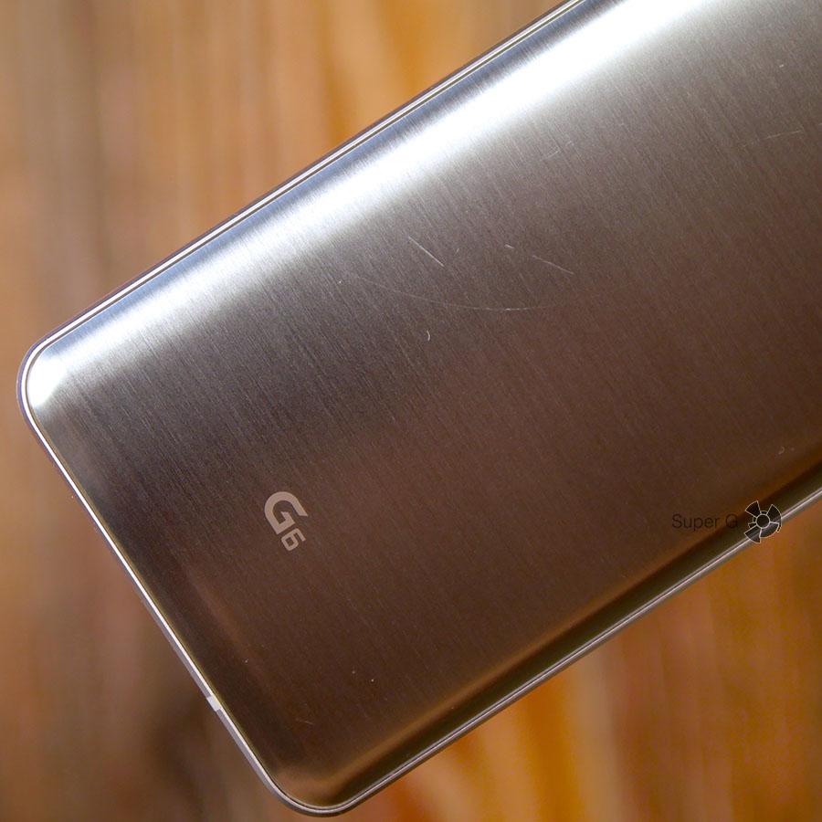 Защитное стекло Corning Gorilla Glass 5 на тыльной стороне LG G6 легко покрывается царапинами