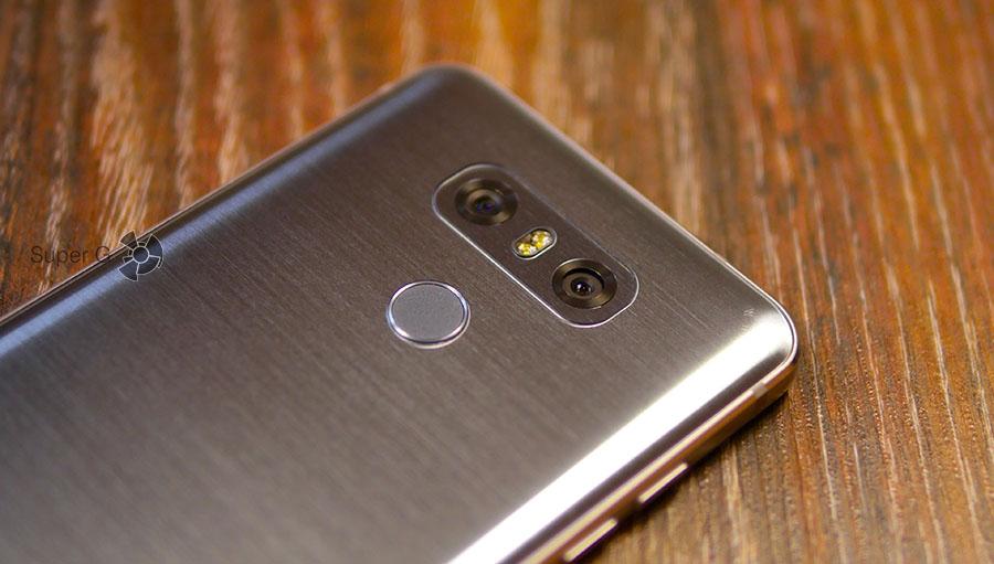 Задние камеры в LG G6 не выпирают