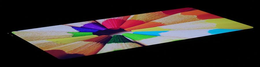 Дисплей LG G6 под экстремальным углом