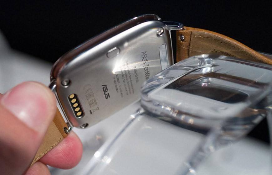 Asus ZenWatch 3 с обратной стороны