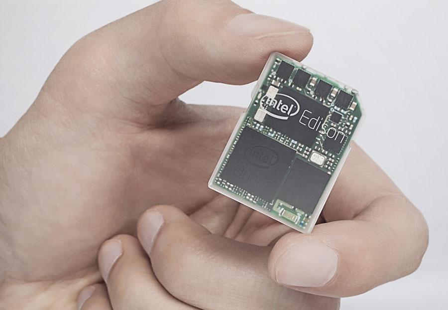 Самый маленький компьютер Edison