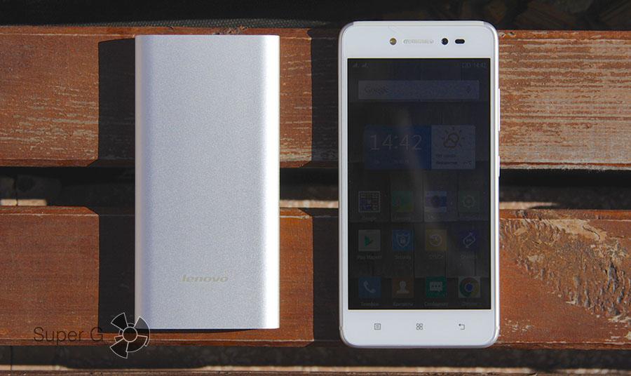 Батарея и смартфон