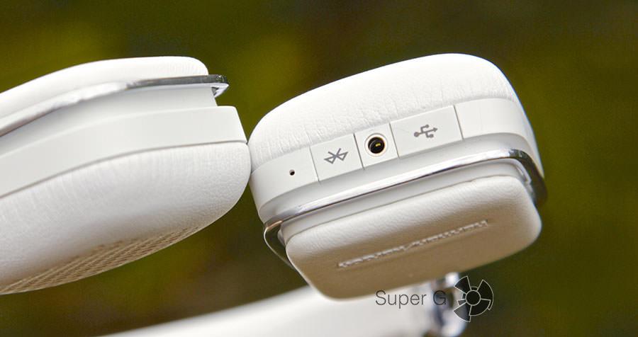 Разъем 2.5 мм и кнопка Bluetooth
