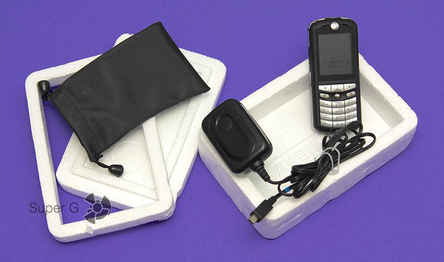 Упаковка Motorola E398 с Ali