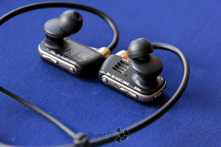 Sony Walkman W273S
