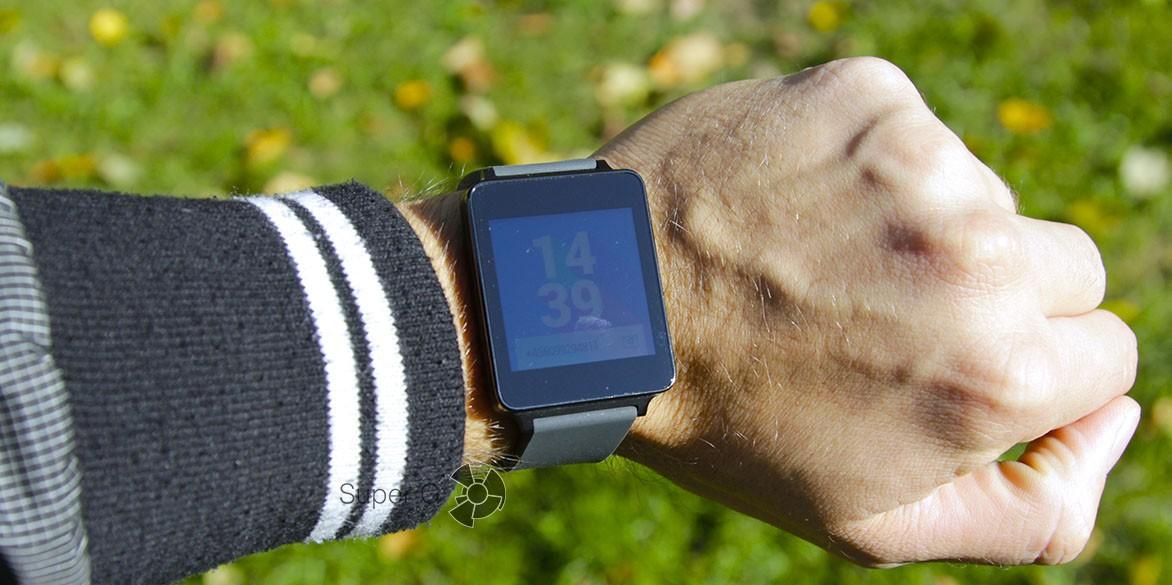 Обзор LG G Watch на запястье