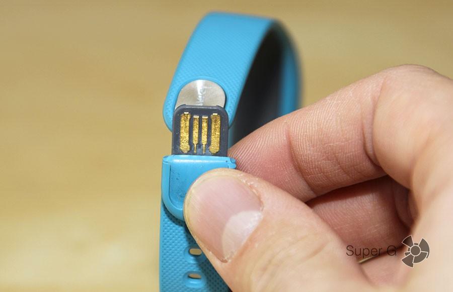 USB-коннектор Huawei TalkBand B1