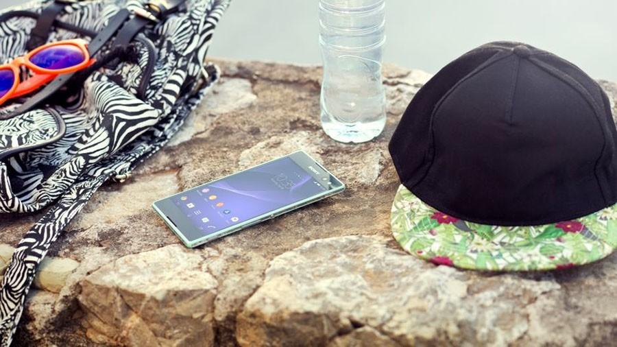 Sony Xperia C3 в природе